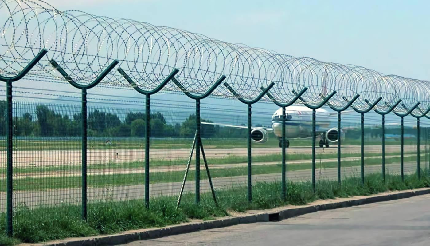 Barbed Wire Combing with Chain Link Fence for Security